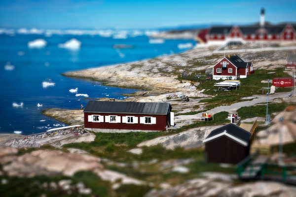 Thomas Duncan Tiltshift Ilulissat harbor photo